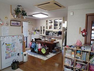 施工前の写真です。ご家族の生活スタイルにあわせたキッチンに工事していきます。