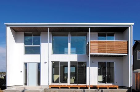 敷地のロケーションから間取りと窓の構成を決定する注文住宅